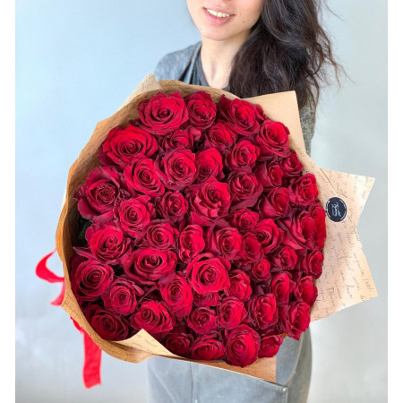 51 красных шикарных роз крупным бутоном